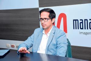 "Carlos Bernal: ""Faltan contratar 8 mil viviendas"""