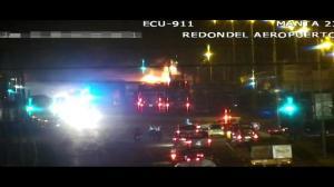 Un vehículo se incendió en la vía Puerto-Aeropuerto