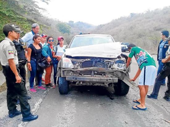 Se estrellan contra un camióan en El Zapallo
