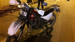 Hombre muere en Portoviejo tras chocar en una moto reportada como robada