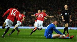 El golazo de Antonio Valencia en duelo de Manchester United por la Premier League
