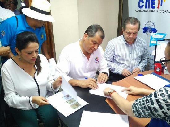 CONFIRMADO: El expresidente Rafael Correa se desafilió de Alianza PAIS