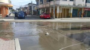 Solucionan rebose de aguas servidas en el barrio Jocay