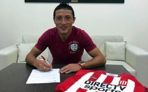 El ecuatoriano Jacob Murillo firmó su vinculación con Estudiantes de La Plata