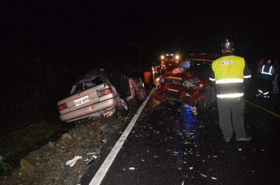Dos muertos en la vía Alóag