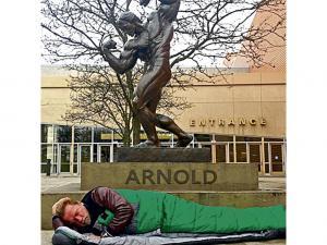 Fans recuerdan el reclamo de Arnold