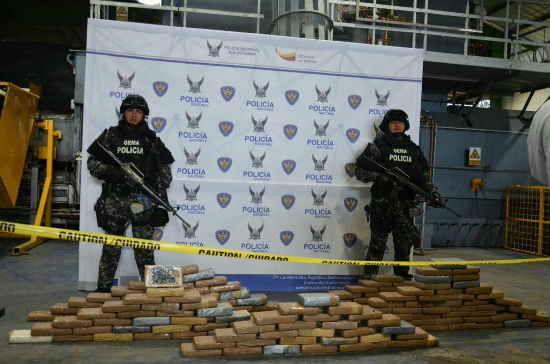 Ecuador destruir 15 toneladas de droga incautadas en 2017 for Twitter ministerio del interior ecuador