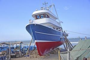 Reconstruyen  un barco cañero