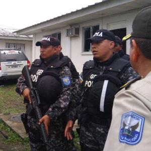 Desplazan a 600 efectivos de seguridad a la zona de explosión en Esmeraldas