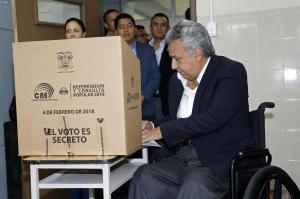 Moreno dice estar 'orgulloso' de los ecuatorianos por jornada electoral 'en paz'