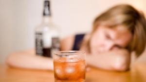 Ingesta excesiva de alcohol deja al organismo vulnerable a enfermedades