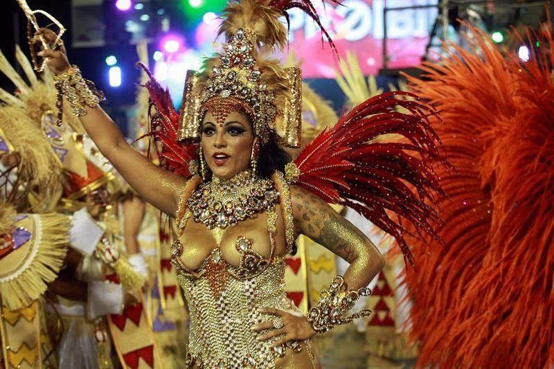 Polémica en Brasil por campaña que invita a no usar disfraces de indígenas