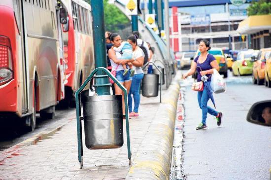 Ciudadanía: tachos de basura son una necesidad diaria