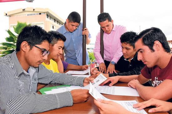 Siete alumnos buscan ganar premio mundial