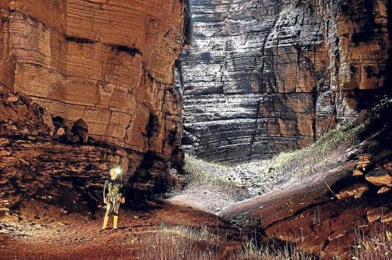 Hablan sobre la cueva de  Los Tayos