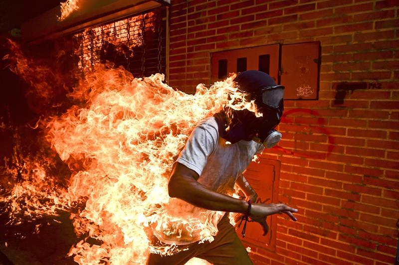 Una imagen de las protestas en Venezuela, nominada al World Press Photo
