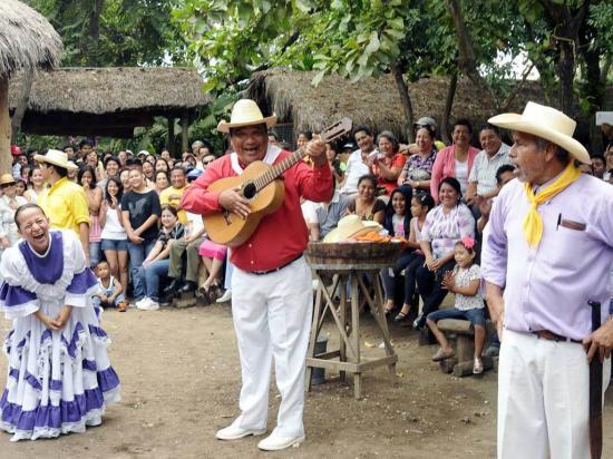 Buscan revivir la tradición manabita