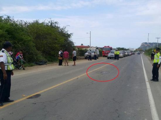 Camioneta mata a un portovejense en Sucre