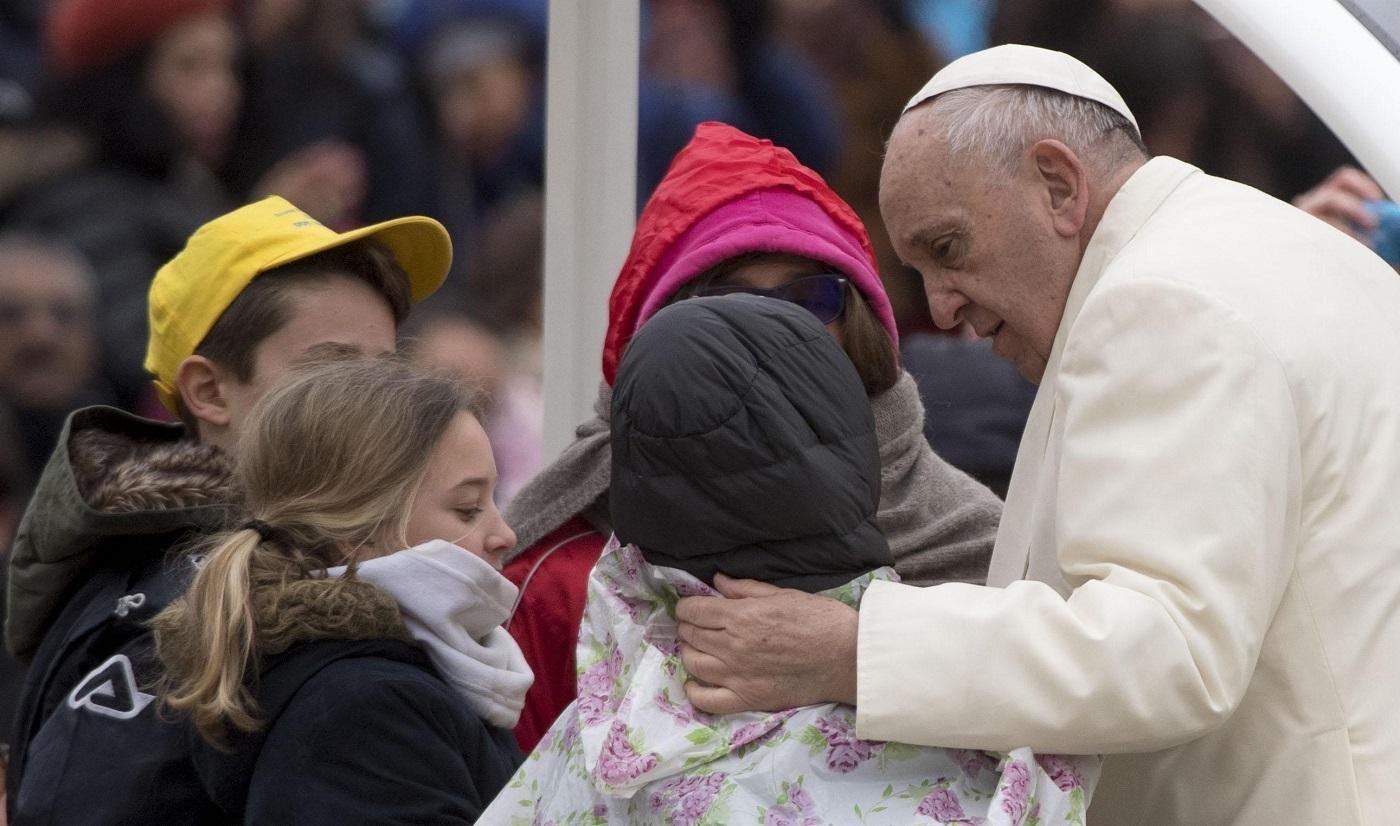 El Papa critica a quienes usan el dolor para sembrar desconfianza