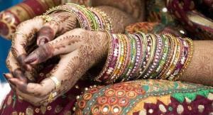 Detenida india que se hizo pasar por hombre para obtener dinero por su boda
