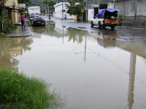 Lluvias causan inconvenientes en sectores