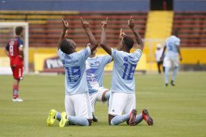 Emelec vence 2-1 en su visita a El Nacional por el campeonato nacional