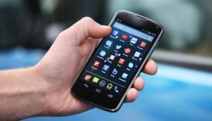 Detienen a un policía en Bogotá acusado de robar un celular