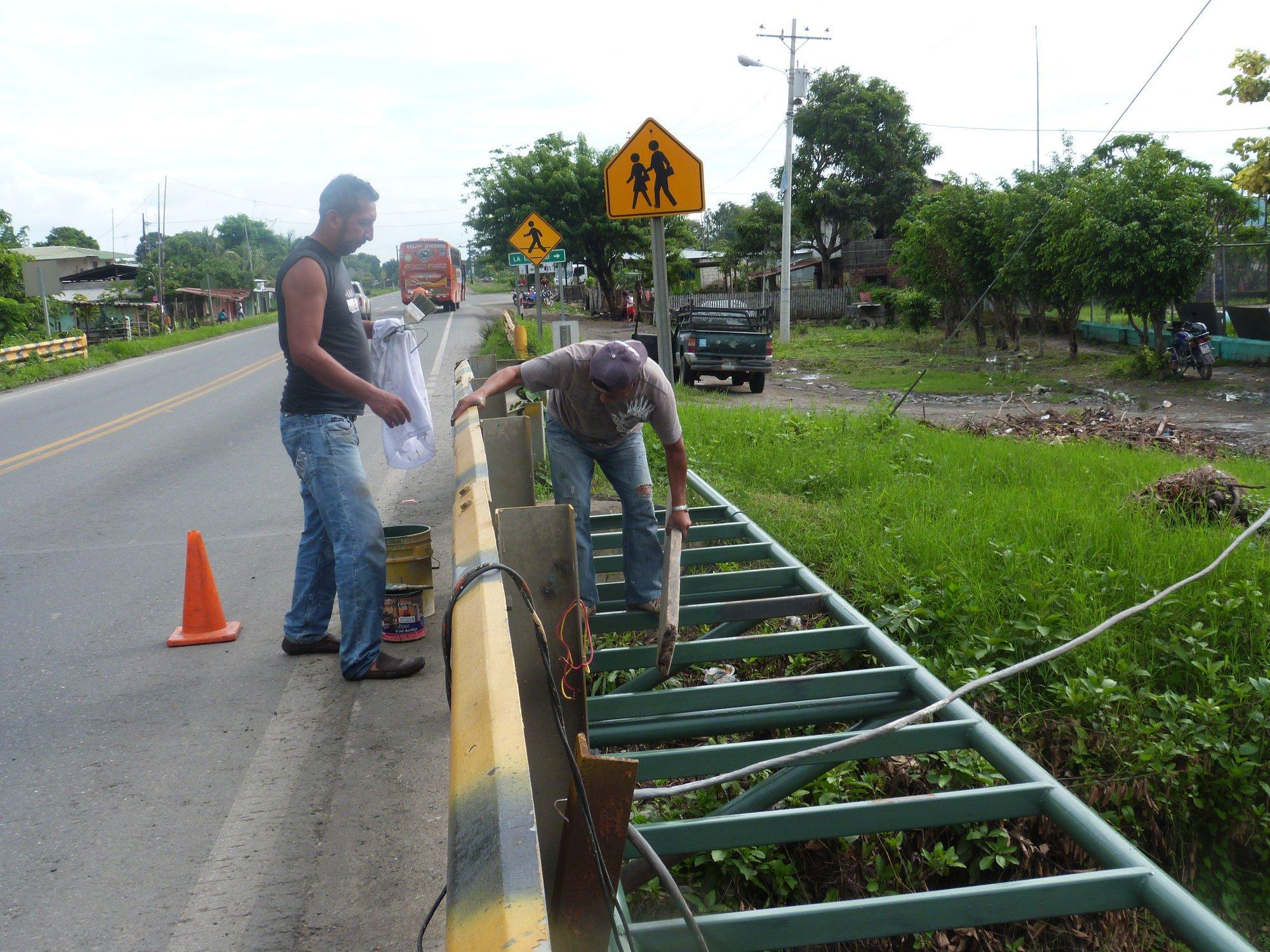 Avanza obra en el puente peatonal