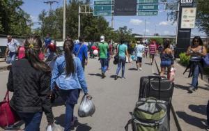 Venezuela acusa a Colombia de 'inflar' las cifras sobre sus emigrantes