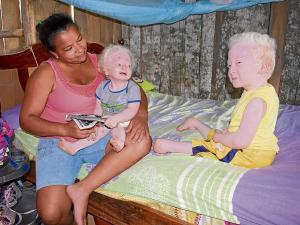 Jonathan, Mileydi y uno de sus ángeles