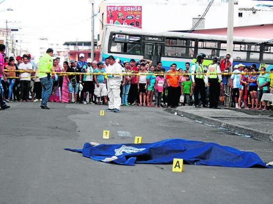 Jorge murió aplastado por un bus en Manta