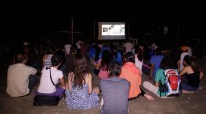 Manta: Cine en la playa por el Día de la Mujer