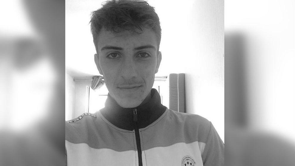 Joven futbolista del club francés Tours muere mientras dormía