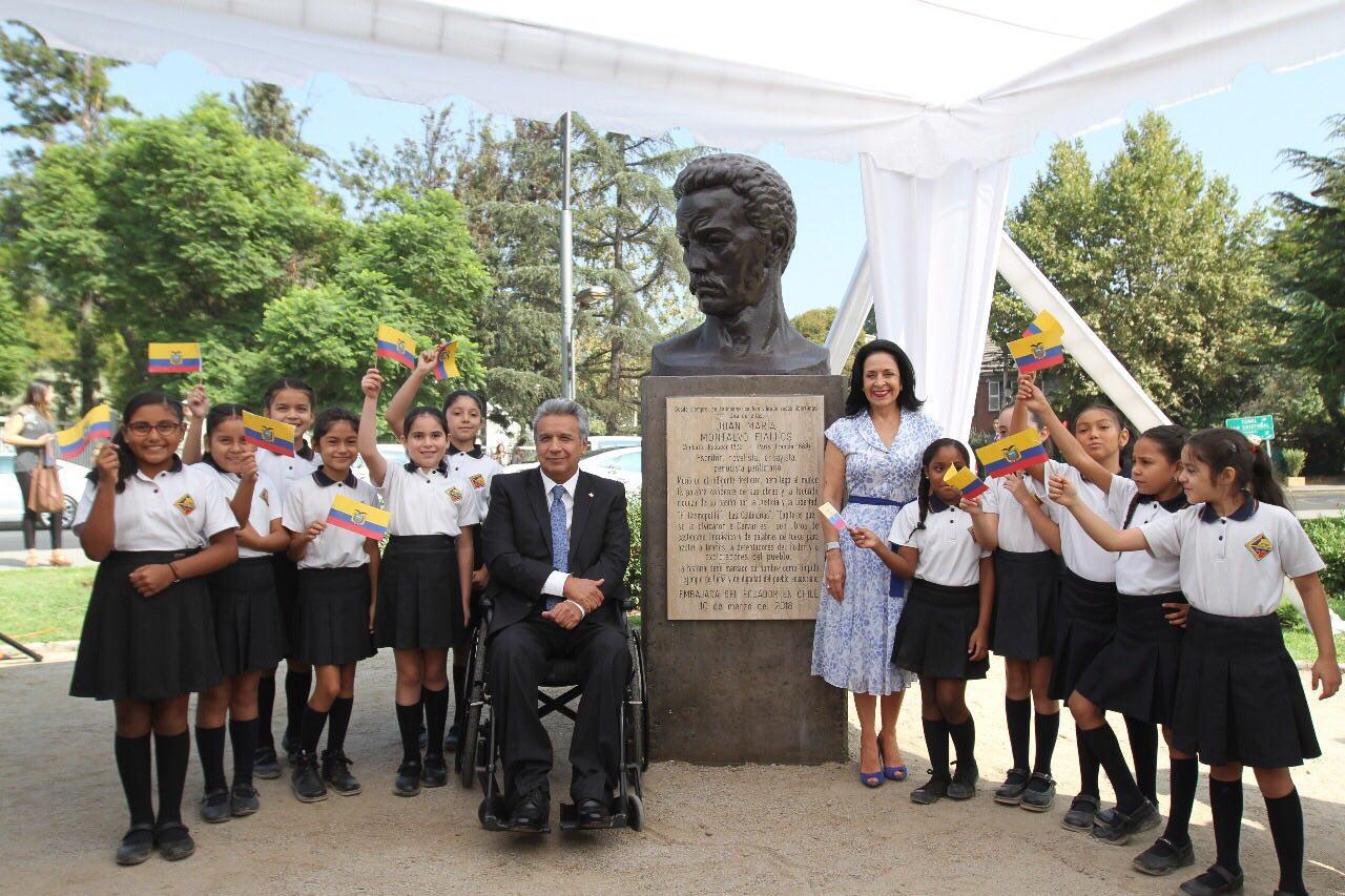 Presentan en Chile un busto en honor a Juan Montalvo