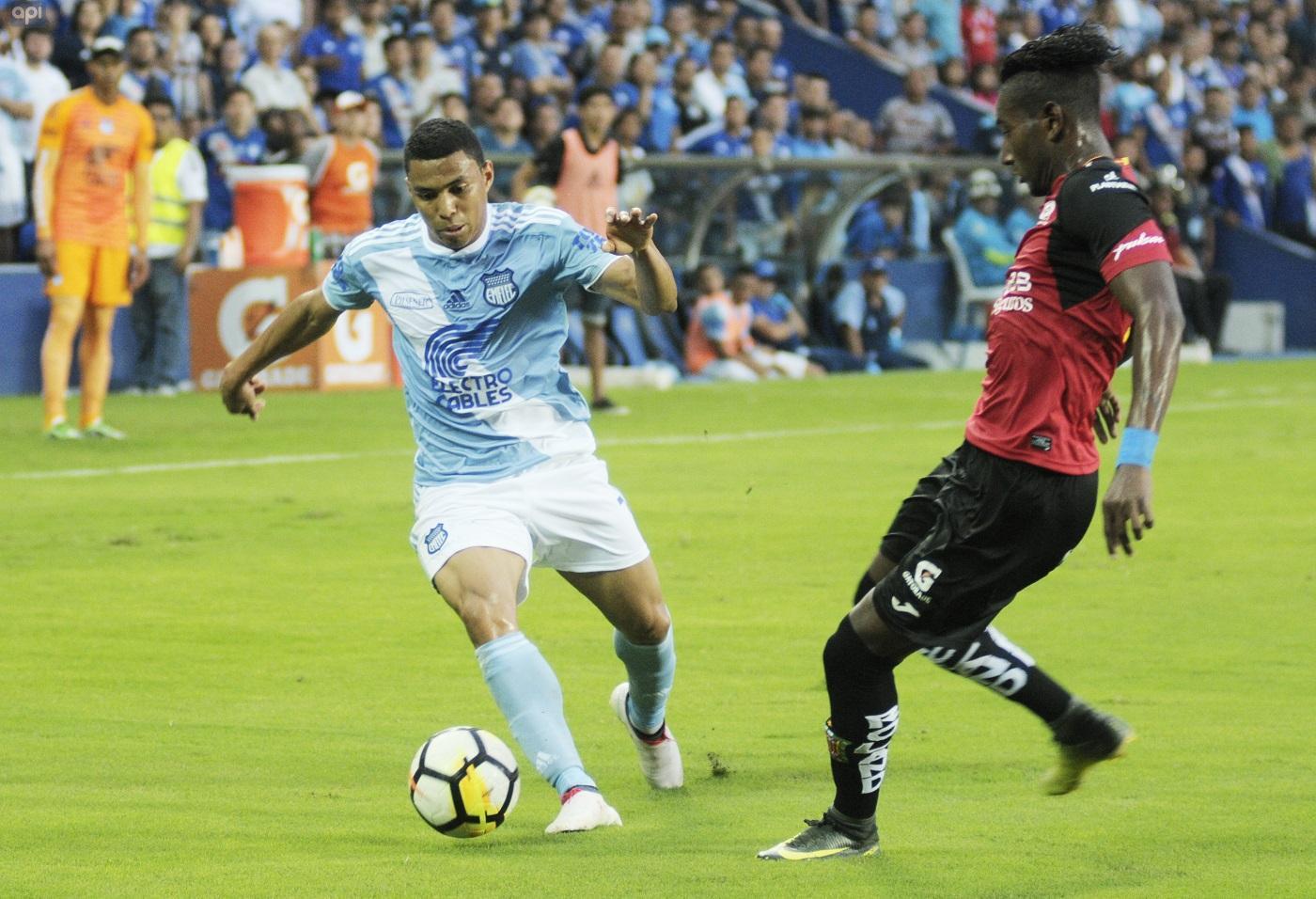 Emelec ganó por 4-1 al Deportivo Cuenca y sigue al frente del Campeonato