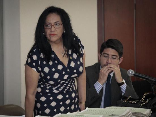 Moreno asegura que se defenderá en el campo jurídico y no político
