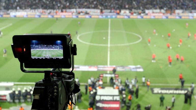 Clubes ecuatorianos buscan recuperar derechos de TV y podrían paralizar el campeonato