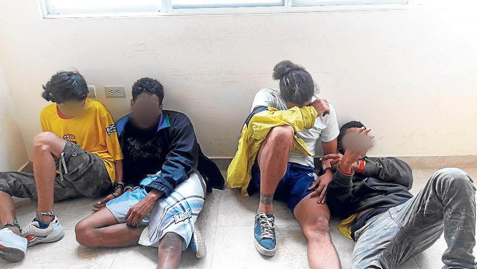 Detenidos por robo de celular