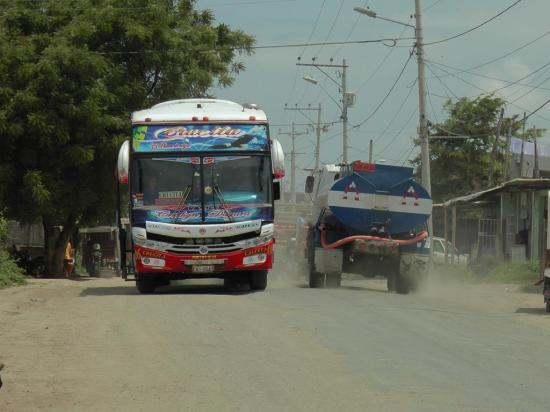 Advierten paro por ausencia de obras en Los Arenales
