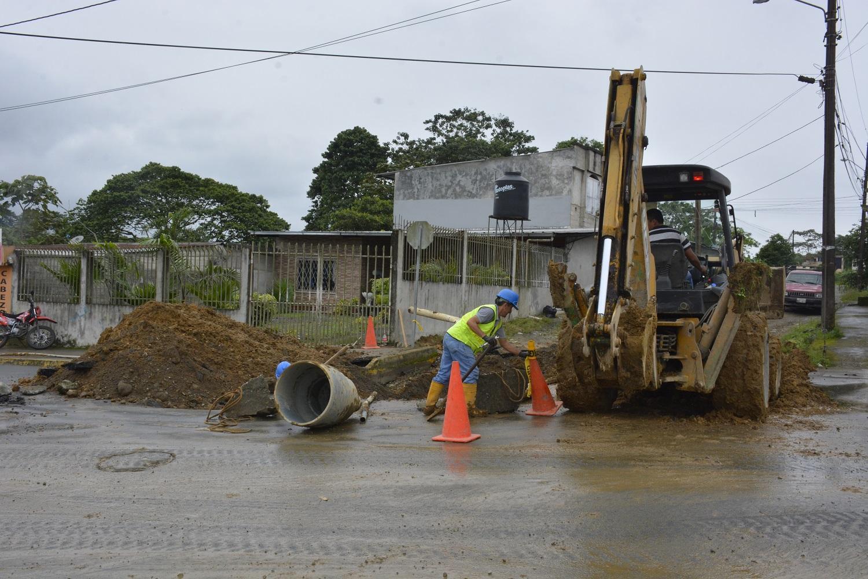 Nuevo daño en la avenida Bombolí