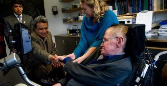 El presidente Lenín Moreno lamenta la muerte del físico británico Stephen Hawking