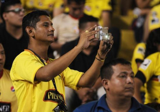 Clubes ecuatorianos presionan por la transmisión del fútbol por TV