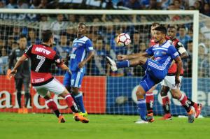 Flamengo remonta el marcador y le gana a Emelec en el Capwell