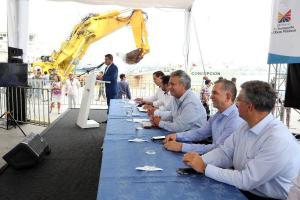 Entregan el dragado del puerto de Manta con la presencia de Lenín Moreno