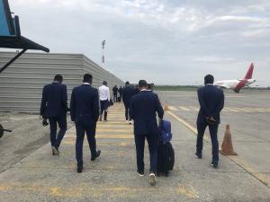 Delfín SC ya arribó a Manta tras sufrir aterrizaje de emergencia