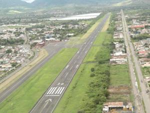 A espera de cronograma del MTOP para abrir calles en el aeropuerto