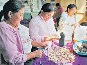 Fabrican joyas con  esencia ancestral