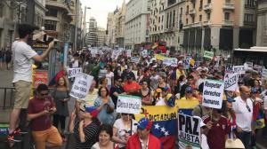 Decenas de venezolanos se manifiestan en Madrid contra el régimen de Maduro
