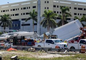 Rescatan tres cuerpos sin vida del puente colapsado de Miami