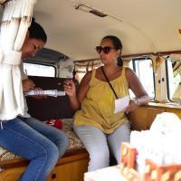 Viaja en su kombi por sudamérica